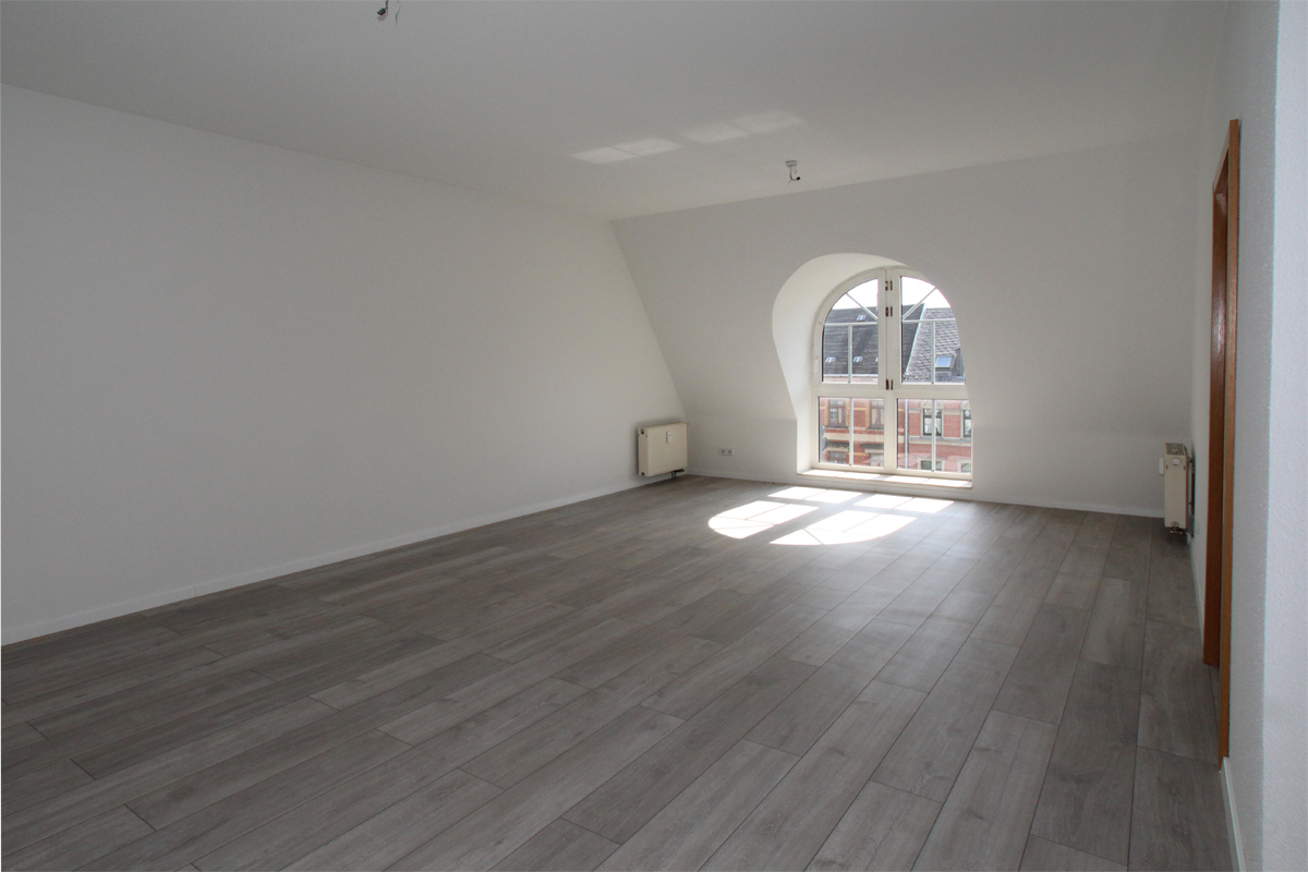 DG-Wohnung mit interessantem Laminat und Aufzug - ID 144 Image